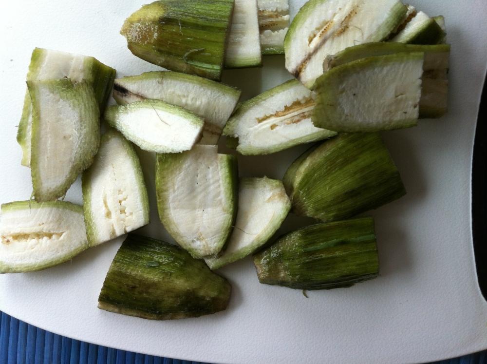 Plantain bajji with coconut chutney (3/5)