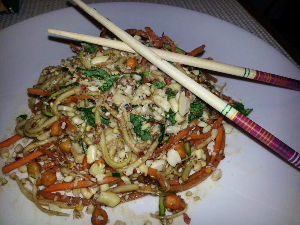 Vegan pad Thai (2/4)